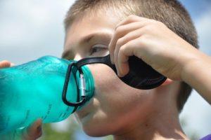 子供 水筒