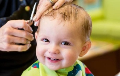 赤ちゃんのヘアカット